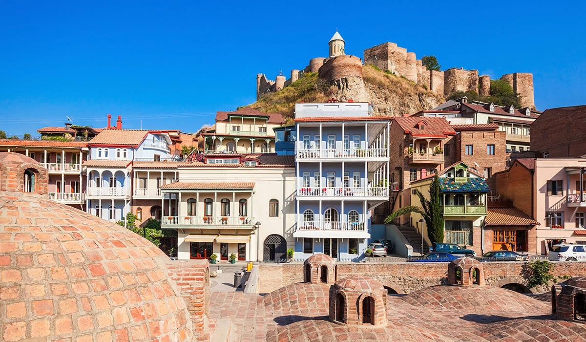 Starobylá čtvrť Abanotubani v Tbilisi