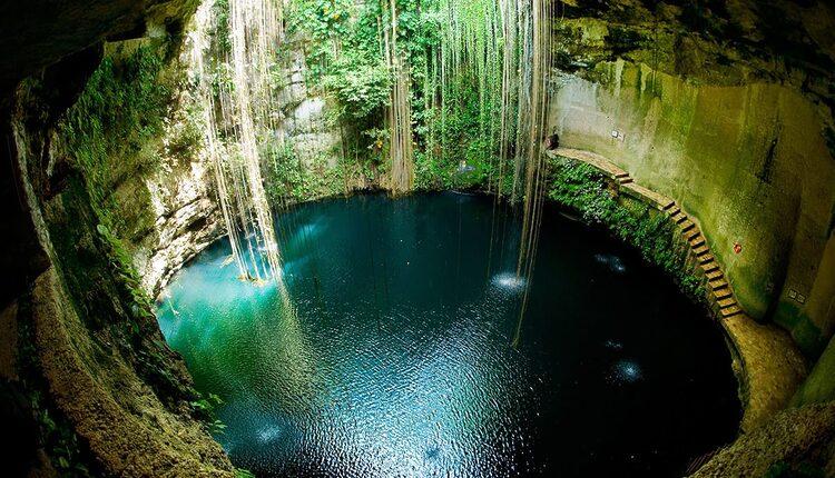 Posvátná přírodní studna - cenot