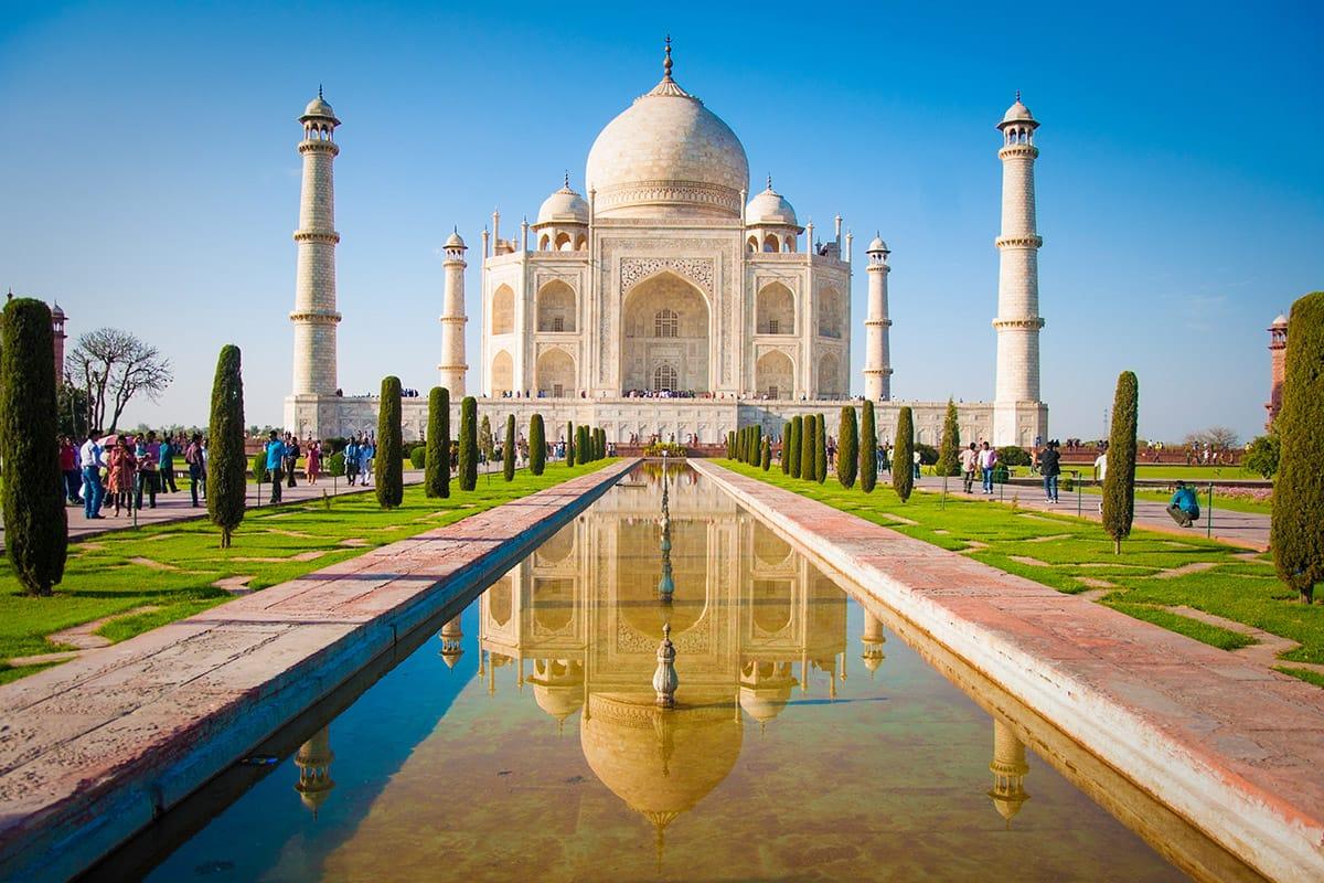 Tádž Mahal - monumentální památník v Ágře