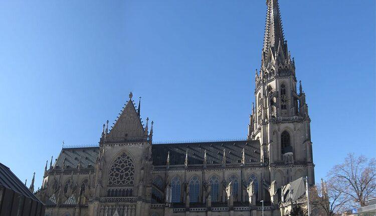 Mariendom - 10 nejvyšších katolických kostelů a katedrál světa