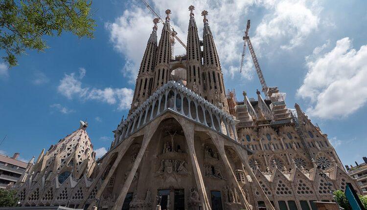 Sagrada Família - 10 nejvyšších katedrál světa