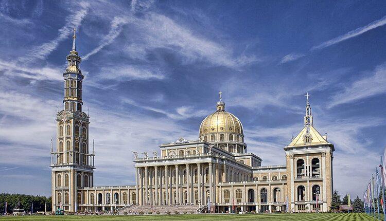 Bazilika Matky Boží Bolestné - 10 nejvyšších katolických kostelů a katedrál světa