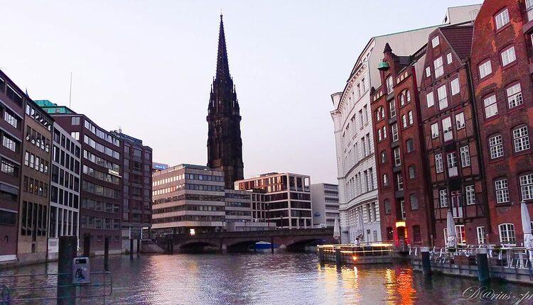 Kostel svatého Mikuláše - 10 nejvyšších katolických kostelů a katedrál světa