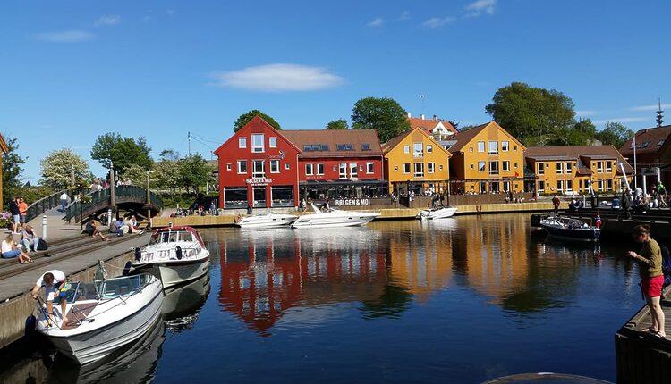 Pohled do přístavu v Kristiansandu