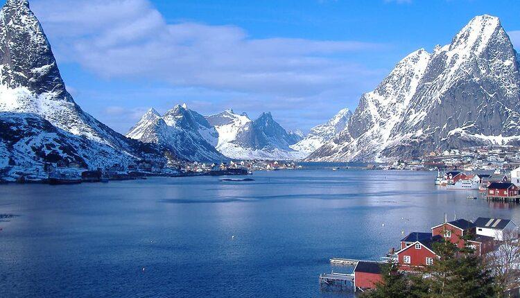 Reinefjord na Lofotech