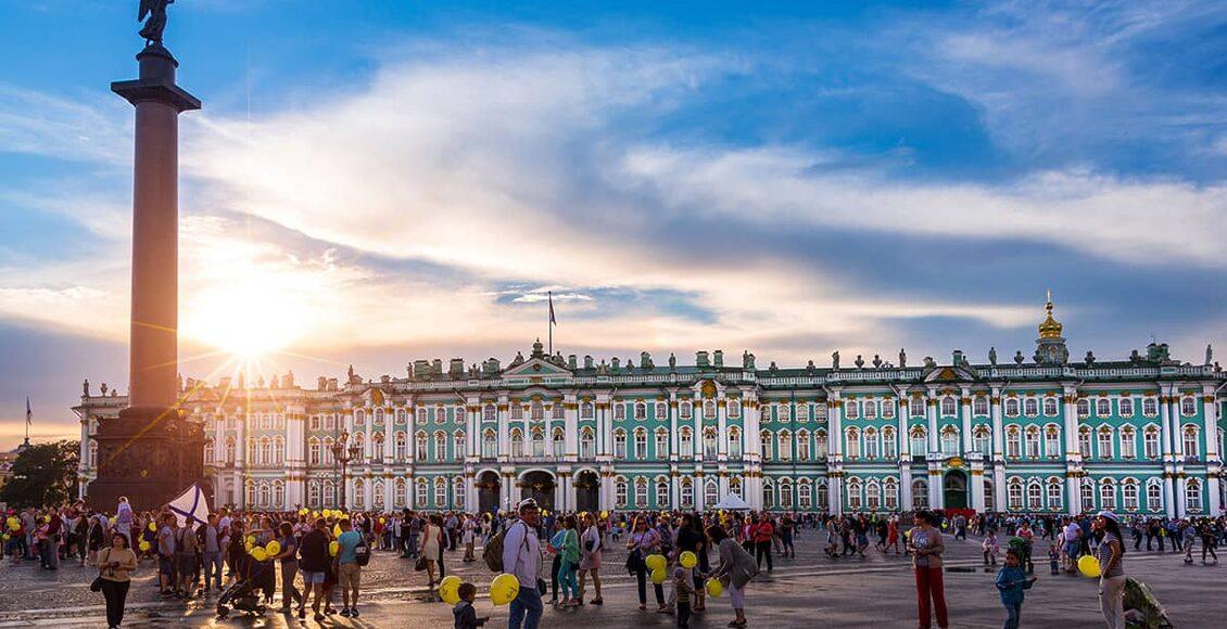 Petrohrad Ermitáž Zimní palác Aurora