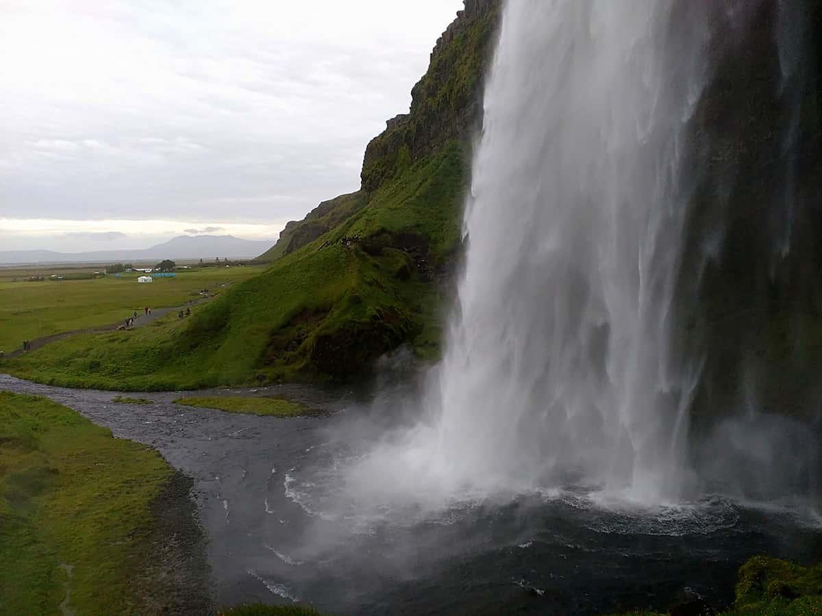Seljalandsfoss - 10 nej vodopádů Islandu
