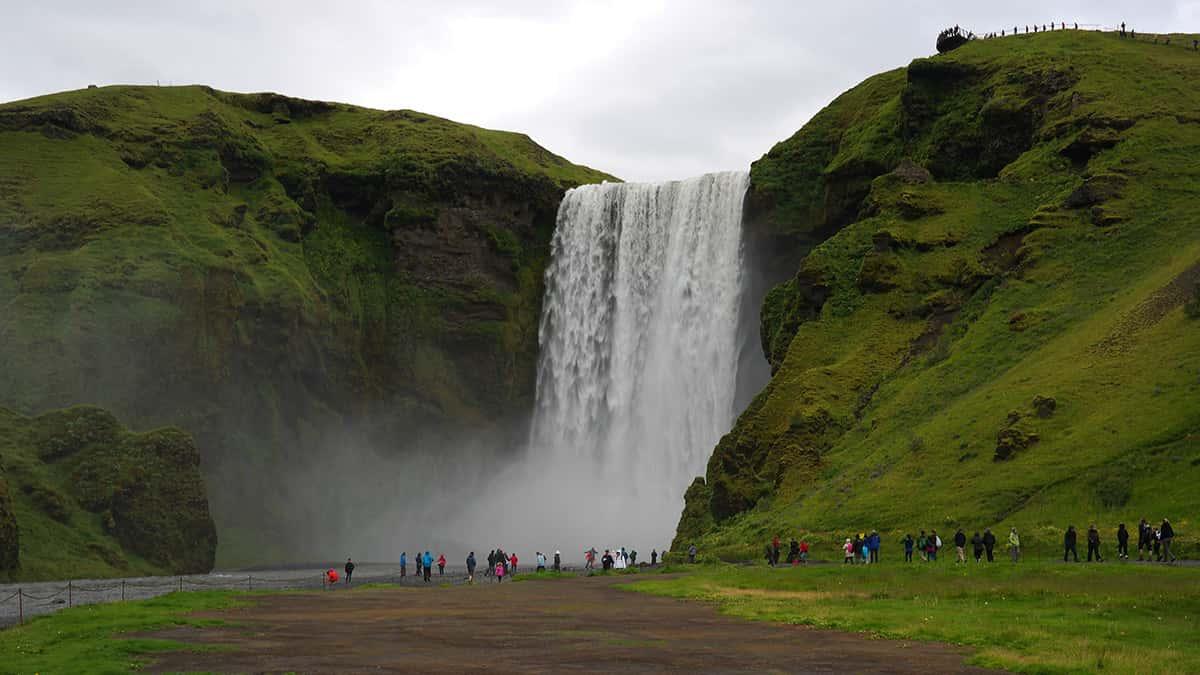 Skogafoss - 10 nej vodopádů Islandu