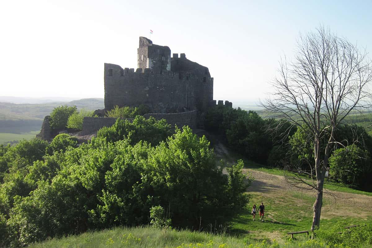 Milovníky historie potěší zříceniny hradů