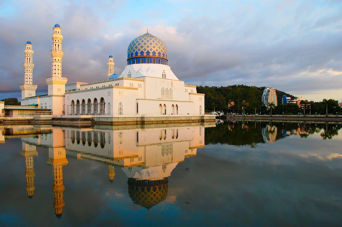 Městská mešita pojme až 12000 věřících.
