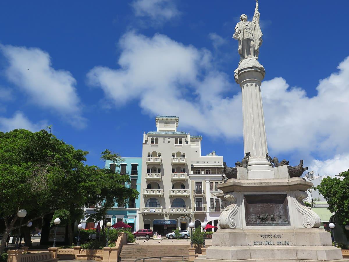 Náměstí Plaza de Colón se sochou Kryštofa Kolumba